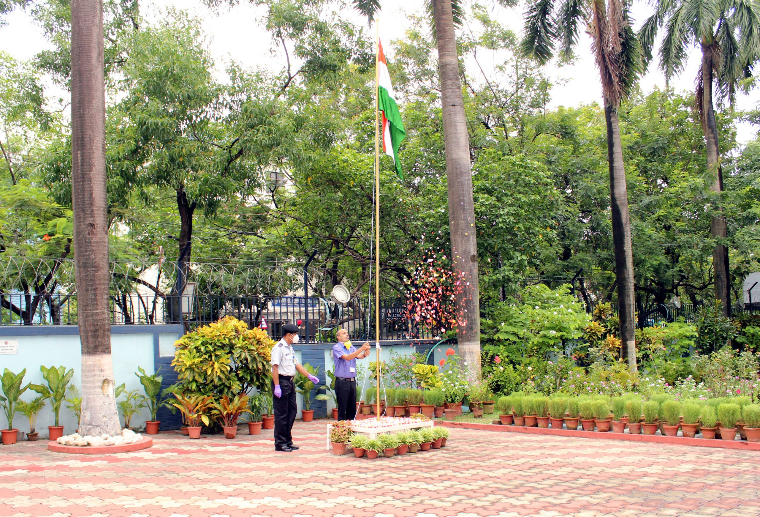 Dr K Muraleedharan hoisting the flag on Independence Day on August 15, 2020