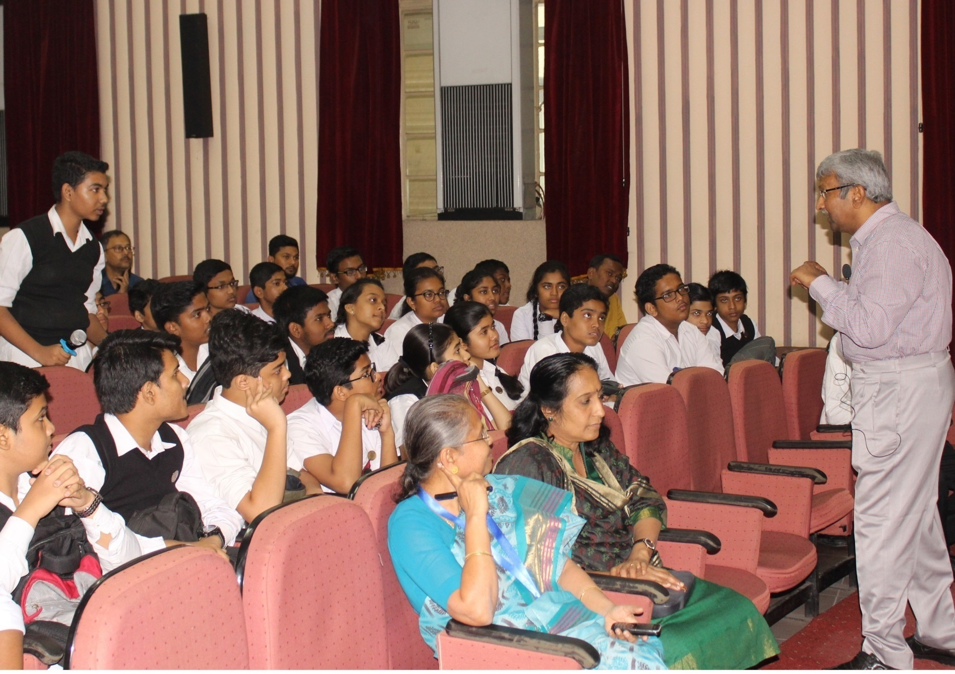 Interaction of Prof. R. K. Mandal with the students during his lecture - Copy (2)